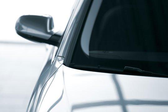 Sustitución de espejos laterales rotos o dañados